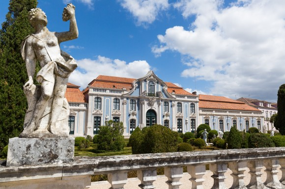 The beautiful Palácio Nacional de Queluz, built between 1747 and 1770, was one of the Portuguese royal residences  © PSML - Wilson Pereira
