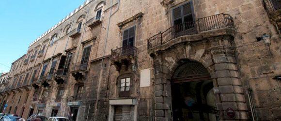 Palazzo Ajutamicristo a Palermo fu la prima sede dell'Accademia