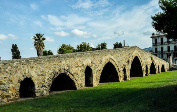 Il Ponte dell'Ammriaglio a Palermo venne scelto come emblema della Congregazione